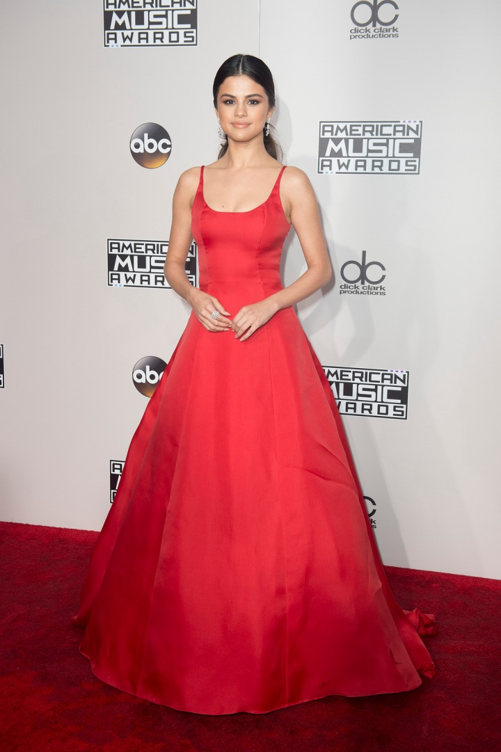 Selena Gomez's Powerful AMA Acceptance Speech
